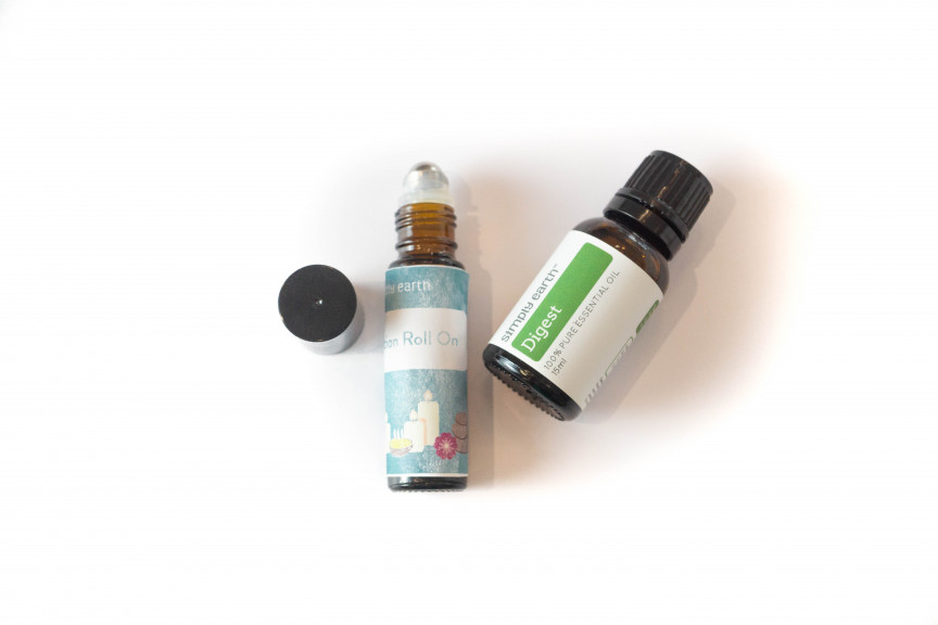Digest essential oil blend in roll-on