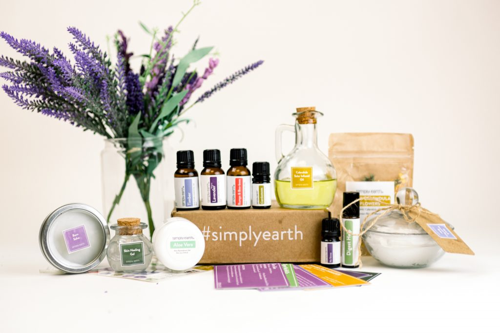 june box, oily aid kit, toxin-free first aid kit, essential oils for digestion